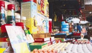 Decomisan medicamentos ilegales en los circuitos de venta informal fuera de las farmacias
