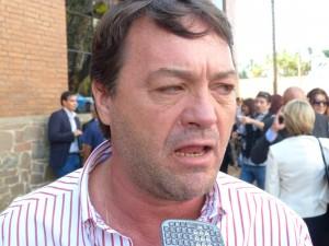 """Cacho Bárbaro le respondió a Schiavoni: """"tomó la pastilla errada de vuelta?"""" preguntó"""
