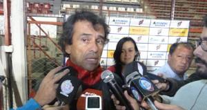 """Telmo, el Bombero de Villa Sarita: """"Seguiré en el nuevo cuerpo técnico, pero eso es lo de menos"""""""