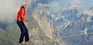 Al no abrirse el paracaídas murió en pleno salto uno de los deportistas extremos más famosos
