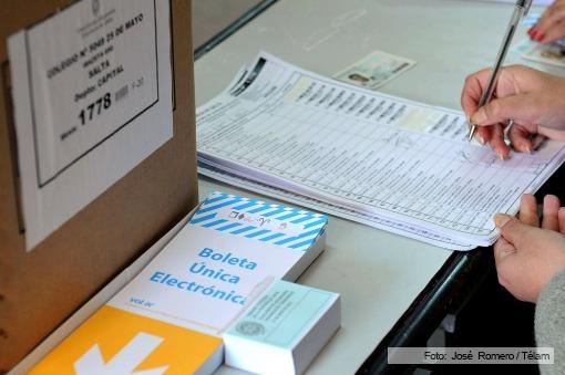 Se desarrollan con normalidad las elecciones generales en Salta y ya votó la mayoría de los candidatos
