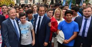 Scioli volvió a pedir por la ley que tipifica el delito de barrabrava