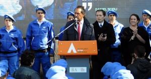 Scioli encabezó el egreso de la policía local de Esteban Echeverría