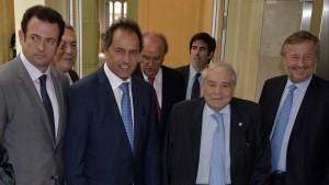 """Scioli en la UIA: """"Soy el símbolo de la gobernabilidad y de la institucionalidad"""""""