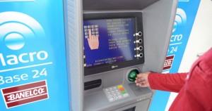 """El Banco Macro recibió un galardón por """"la mejor disponibilidad en cajeros automáticos de 2014"""""""