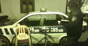 Delincuentes fueron sorprendidos por la policía y abandonaron elementos robados