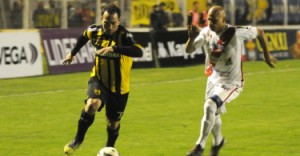 """Guaraní no pudo anoche con el sorprendente Santamarina de Tandil y perdió 2 a 0; el miércoles recibe a """"Chaca"""""""
