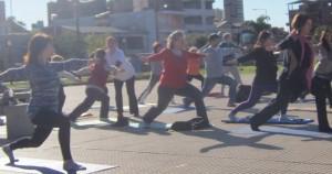 Mañana finaliza la Semana del Yoga con jornada intensiva en la Costanera