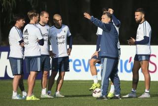 Martino repetiría el equipo para enfrentar a Paraguay