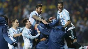 Copa América: en una dramática definición Argentina eliminó a Colombia por penales