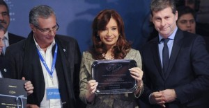 """Cristina reclamó diálogo nuevamente al Reino Unido por Malvinas: """"La única arma que tenemos es la palabra"""""""