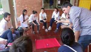 Unos 150 estudiantes de Cerro Azul participaron en la charla-taller de prevención de adicciones que dictó el Hogar de Día