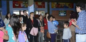 Familias de Itaembé que formarán parte del Programa CONIN  visitaron hoy el Hogar de Día