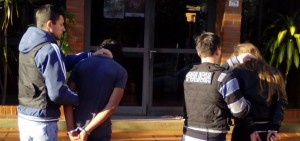 Detuvieron a una chica y a su amante en la frontera: querían huir tras el asesinato de un joven