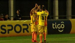 Crucero cayó 2 a 1 con Olimpia en un entretenido juego en Asunción