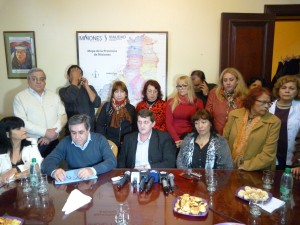 Más de 400 trabajadores estatales pasarán a planta en Misiones