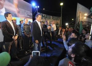 """Scioli: """"Somos el futuro y el trabajo, y por eso vamos a vencer a la alianza del pasado, el ajuste y la recesión"""""""