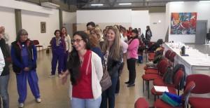 Personas que trabajan con adolescentes participaron en un taller de promoción de salud en el Hogar de Día