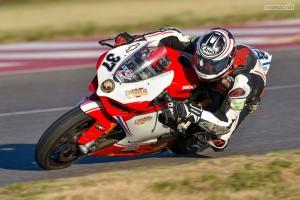 """Motociclismo: En Toay, dos misioneros se sacaron chispas en la final de Superbike """"B"""""""