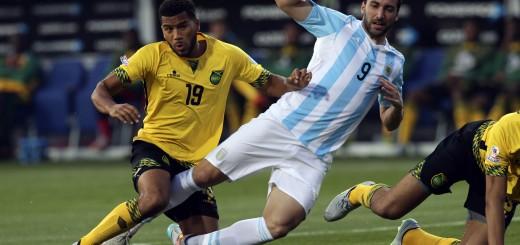 Argentina le ganó a Jamaica 1 a 0 con gol del Pipa Higuaín