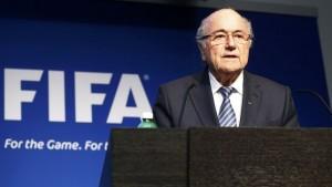 """Histórico: Blatter renunció a la FIFA por no contar con """"apoyo integral"""""""