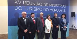 Meyer busca consolidar el turismo regional con sus pares del Mercosur