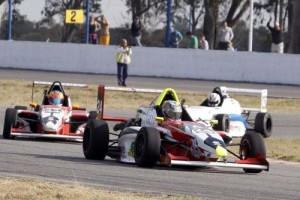 Bundziak no pudo terminar la segunda carrera de la Fórmula Renault 2.0