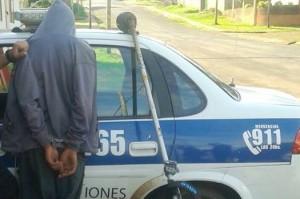 Joven detenido con elementos que posiblemente fueron robados