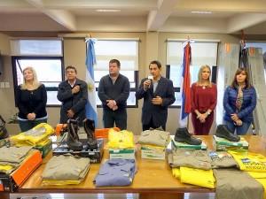 Franco repasó gestión entregando indumentaria y elementos de trabajo al personal de Obras y Servicios Públicos