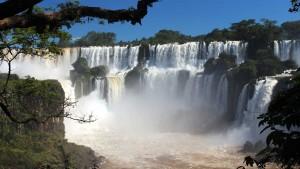 Las Cataratas del Iguazú son ineludibles para una escapada de invierno.