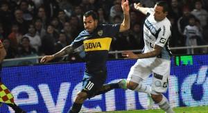 Boca, con dos jugadores menos, derrotó a Belgrano en Córdoba y estiró la ventaja en la punta del torneo