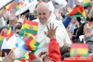 Cientos de miles de personas participaron de la misa del Papa en Bolivia