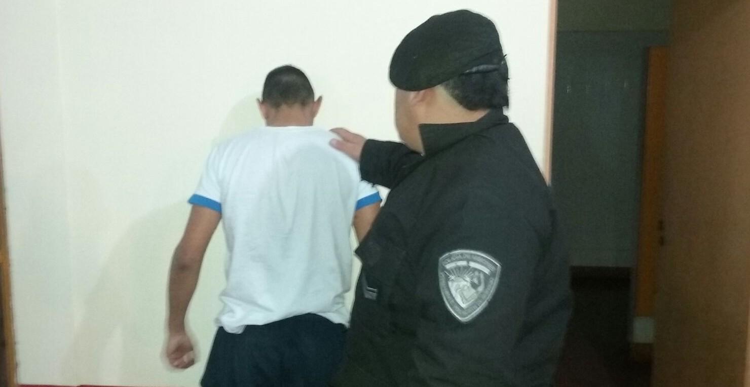 """Atraparon al """"Chapo"""", un furioso ladronzuelo que se resistió ante los policías"""