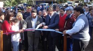 Closs entregó viviendas en Jardín América, inauguró obras y anunció la llegada de una nueva red de fibra óptica hasta Puerto Rico