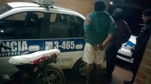 Detuvieron a dos hombres por circular en una motocicleta posiblemente robada