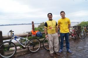 Misioneros pedalearán hasta Asunción para ver a Francisco
