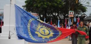 La Policía de Misiones participó del primer izamiento de la Bandera de Posadas en el mástil mayor de la ciudad