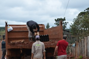 San Pedro: Passalacqua recorrió zona damnificada por la granizada y gestionó la reconstrucción del puente caído
