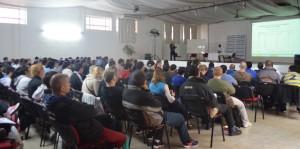 Multitudinaria charla del profesor Carlos Borzi en Oberá