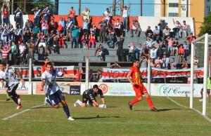 En una semana de resurgimiento, Guaraní derrotó 2 a 0 a Boca Unidos