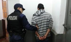 Un joven fue detenido por robo en la vía pública