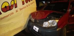 Por una mala maniobra dos autos chocaron en Andresito y dejaron daños materiales