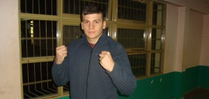 Con 19 años, Jorge Paredes vuelve al ring luego de tres años de ausencia