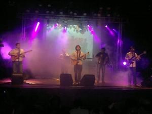 Los Mitá solidarios con Cáritas Posadas en la presentación de su tercer disco