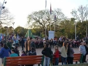 Gobernador Roca inauguró su plaza central