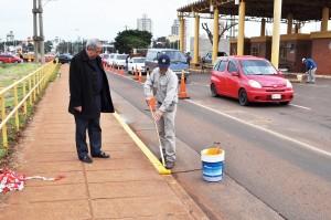 Visita de Francisco: mejoran señalización en el puente internacional
