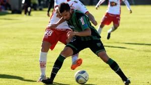 Huracán perdió con San Martín y no pudo salir del fondo de la tabla