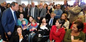 Scioli inauguró lactarios en sedes de la administración pública en Buenos Aires