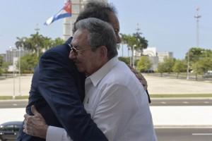 Scioli se reunió con Raúl Castro en La Habana