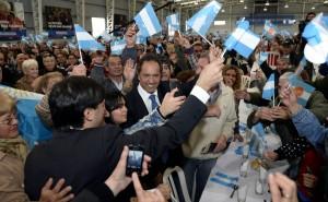 """Scioli se comprometió """"a seguir avanzando por los derechos y la inclusión de los jubilados"""""""